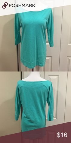 Lilly Pulitzer Seafoam Green Slub Top This Slub top is in previously loved condition. It does have some pilling on the front. It's very minimal though. This top goes great with Lilly shorts and skirts. It is extremely comfy too. Lilly Pulitzer Tops Tees - Long Sleeve