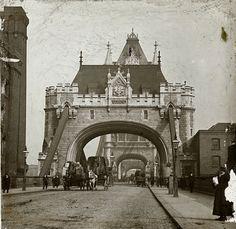 The former bridgekeeper's house on Tower Bridge, c. 1900