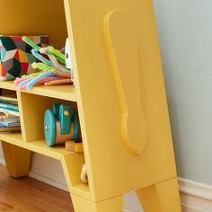 Giraffe Bookcase   The Land of Nod