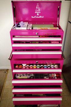 Pink tool box - good idea for craft storage. Baking Storage, Baking Organization, Cake Storage, Makeup Storage Box, Storage Ideas, Tool Storage, Kitchen Storage, Smart Storage, Makeup Organization