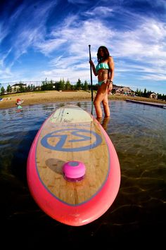Splash Paddle Tunes is a paddle boarding speaker that gives you the ability to jam out while out on the lake. Bluetooth waterproof speaker is perfect for SUP! Sup Boards, Triathlon, Tabla Paddle Surf, Mountain Biking, Beach Volleyball, Sup Girl, E Skate, Sup Stand Up Paddle, Sup Yoga