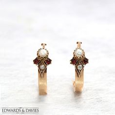 Fabulous Cute jewelry chokers,Bridal jewelry trends and Boho jewelry inspiration. Jewelry For Her, Dainty Jewelry, Cute Jewelry, Luxury Jewelry, Crystal Jewelry, Boho Jewelry, Jewelry Accessories, Handmade Jewelry, Fashion Jewelry