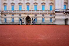 #7und20 #london #uk #royal #queen #elizabeth #buckinghampalace #godsavethequeen #royalfamily #royals #queenelizabeth #charles #wachfritze #diana #restinpeacediana #1997 by 7und20