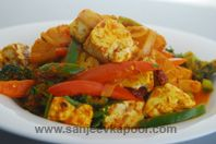 Paneer And Pineapple Stir Fry : Paneer and pineapple stir fried with Indian spices. Paneer Recipes, Indian Food Recipes, Ethnic Recipes, Vegetarian Side Dishes, Vegetarian Recipes, Stir Fry Ingredients, Paneer Dishes, How To Make Paneer, Desi Food