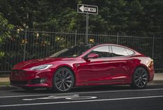 Red Tesla Model S turbine Oprah Winfrey Show, Tesla Motors, S Car, Hot Rides, American History, 4x4, Private Jets, Kpop Aesthetic, Net Worth