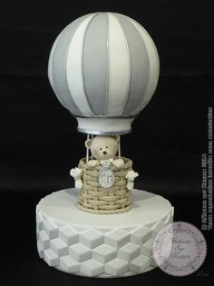 Baby bear in a hot air balloon - Cake by Galina Duverne - Gâteaux Sur Mesure… Decors Pate A Sucre, Hot Air Balloon Cake, Champagne Cake, Teddy Bear Cakes, Gorgeous Cakes, Baby Shower Cakes, Baby Cakes, Cute Cakes, Celebration Cakes