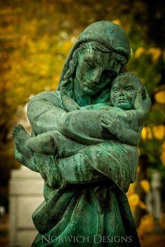 Statue  a cemetery