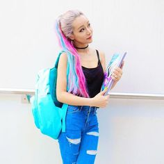When you care for your hair your whole life changes. Good hair tells other people that you are put together. Top Hairstyles, Hairstyles For School, Wengie Hair, Life Hacks Hair, Famous Youtubers, Fun Buns, Cute Makeup, Rainbow Hair, Hair Looks