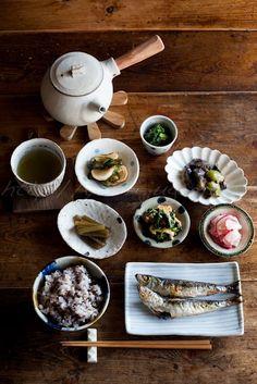 Photo: Traditional Japanese Meals (Salt-Grilled Whole Small Iwashi Sardines, Brown Rice, Veggies and Veggies) | Washoku 和の食卓