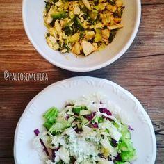 Não está lindo mas está delicioso: salada verde (acelga repolho roxo alface pepino chucrute) com molho de kefir (kefir hortelã e azeite). Sopa de vegetais (brócolis couve flor abobrinha) com peito de frango e curry. _____________________________________________  Not beautiful but delicious: green salad (chard purple cabbage lettuce cucumber sauerkraut) with kefir sauce (kefir mint and olive oil). Vegetables soup (broccoli cauliflower zucchini) with chicken breast and curry.  Tem dúvidas…