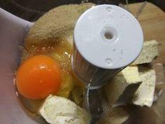 Σοκολατένια μπισκότα Βρώμης με Φουντούκια συνταγή από Zoe Tsomaka - Cookpad Eggs, Pudding, Breakfast, Desserts, Food, Morning Coffee, Tailgate Desserts, Deserts, Egg