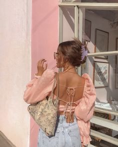 Aesthetic Fashion, Aesthetic Clothes, Look Fashion, Film Fashion, Beach Style Fashion, Pink Aesthetic, Fashion Beauty, Winter Fashion, Trendy Outfits