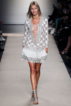 Isabel Marant Spring 2013 Ready-to-Wear Fashion Show - Anja Rubik