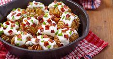 A karácsony tovaszállt, az ünnepekkor kiköltekeztük magunkat, úgyhogy a január mindig spórolósabban telik, megfontoltak vagyunk az étkezés terén is. Minion, Sausage, Bacon, Meat, Food, Sausages, Minions, Hoods, Meals