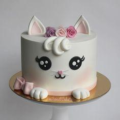 Pretty Cakes, Cute Cakes, Beautiful Cakes, Amazing Cakes, Toddler Birthday Cakes, Birthday Cake For Cat, Cake Decorating Videos, Cake Decorating Techniques, Fondant Cakes
