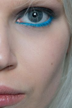 turquoise liner at giles fall 2014