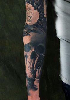 tattoo ©2014 Kore Flatmo, PluraBella, skull, roses, floral, flower, black and gray, tattoo