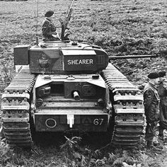 """A22 nfantry tank Мk IV """"Churchill """" I на у чениях в Англии"""