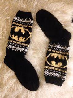 Batman Socks, Fluffy Socks, Knit Or Crochet, Clothing Patterns, Knitting Patterns, Geek Stuff, Sewing, Crafts, Socks