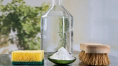 Vinegar is basically the new coconut oil when it comes to household chores