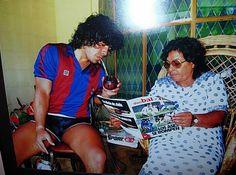 Diego Armando Maradona tomando mate - F.C. Barcelona