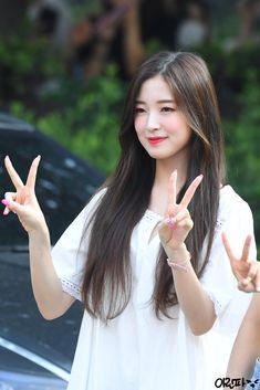 """아린파🌸 on Twitter: """"190809 뮤직뱅크❤ #오마이걸 #아린 #OhMyGirl #Arin #オーマイガール #アリン @WM_OHMYGIRL 내일 볼 생각에 벌써 기분좋아짐… """" Arin Oh My Girl, Ulzzang, Girl Group, My Photos, Kpop, Bias Wrecker, Nayeon, Twitter, Asian Beauty"""