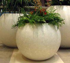 Concrete molds for planters! Tree Planters, Diy Concrete Planters, Cement Planters, Concrete Art, Concrete Garden, Garden Planters, Planter Pots, Concrete Molds, Concrete Furniture