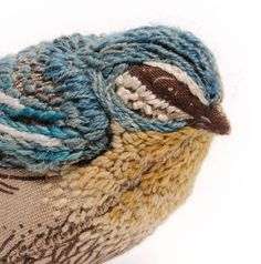 Catherine Frere-Smith Ribbon Embroidery, Embroidery Art, Cross Stitch Embroidery, Embroidery Patterns, Fabric Birds, Fabric Art, Motifs Textiles, Embroidered Bird, Textile Art