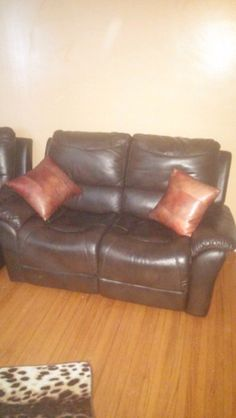 great shape i'll miss it but just no room. i paid 850 new with the chair less than a year ago. i'm asking 180 obo. need gone before i move. call or message back anytime. 5199029802 thanks