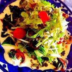 ヨーグルトベースのソースに、私の好きなバルサミコ酢とバターでソテーしたマッシュルームとほうれん草が香ばしーサラダです〜 - 77件のもぐもぐ - 本日のサラダ! by Tina Tomoko
