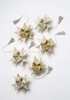 TOAST creates modern, simple clothing for women and functional, thoughtful pieces for the home. Christmas Hamper, Christmas Diy, Holiday, Star Decorations, Origami Stars, Idee Diy, December 2014, How To Make Paper, Hand Blown Glass