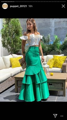 African Wear Dresses, Latest African Fashion Dresses, African Print Fashion, Stylish Work Outfits, Classy Outfits, Mother Of The Bride Dresses Long, Lace Dress Styles, Western Dresses, Indian Designer Wear