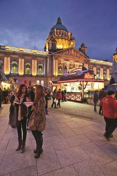 Belfast Christmas Market - The market features some fantastic refreshment areas such as the Continental Bar and Lavery's traditional Irish Bar where you can hear some great live music or wander around the German Gluwein and Bratwurst Stands enjoying a great glass of warming mulled wine.