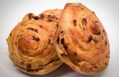 Zemiakovo cibuľové slimáky | Pagáčiky.sk Samos, Muffin, Breakfast, Food, Basket, Morning Coffee, Essen, Muffins, Meals