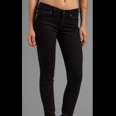Rich & Skinny Marilyn jeans Rich & skinny jeans high rise.brand new.size 28.Super comfty and stretchy fabric. Rich & Skinny Jeans