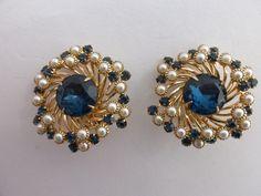 Judy Lee rhinestone and faux pearl spiral earrings by MeyankeeGliterz on Etsy
