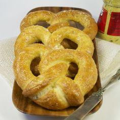 Soft pretzels - Mama's Gotta Bake Homemade Soft Pretzels, Pretzels Recipe, Dry Yeast, Cooking Light, No Bake Desserts, Bread Recipes, Delish, Good Food