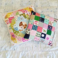 Waiting for our cousins, arriving any minute from California... #cantwait #family #pillows #patchwork @heatherrossinsta @cottonandsteel