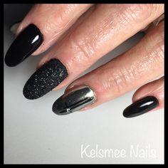 Black Nails, with Chrome sugar And nailart