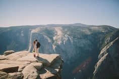 Elopement on a cliff in Yosemite National Park