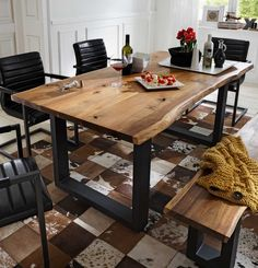 Esstisch Escoba aus Akazie Massivholz Beautiful dining table with tree edge made of acacia solid wood for a small price. Base in iron in anthracite. Ideal for a modern loft apartment with a rustic tou Rustic Kitchen Tables, Dining Room Table, Industrial Dining, Industrial Style, Industrial Farmhouse, Farmhouse Table Plans, Wooden Tables, Sweet Home, Patio Stone