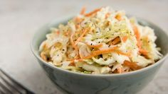 Sweet Coleslaw Recipe, Homemade Coleslaw, Cetogenic Diet, Vegetarian Cabbage, Cole Slaw, Good Burger, Weight Watchers Meals, Side Dishes, Veggies