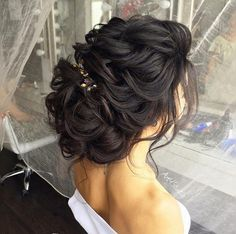cool 51 Amazing Wedding Hairstyles for Medium Hair Ideas to Makes You Specially Beautiful  https://viscawedding.com/2017/06/24/51-amazing-wedding-hairstyles-medium-hair-ideas-makes-specially-beautiful/