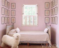 pink reading nook | India Hicks's Bahamas home