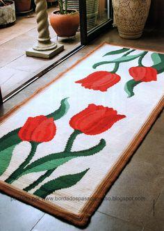 Tapeçaria com flores, um charme. Ainda mais com tulipas... Você pode escolher um dos dois modelos de tapetes, ou na dúvida, faça os dois. ...