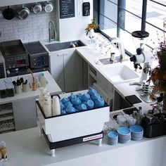 874 mentions J'aime, 9 commentaires – Barista Daily (@baristadaily) sur Instagram : « Espresso Bar using the Acme Blue Cups, stunning! |✨ Get Featured with #BaristaDaily | Shop Acme… »