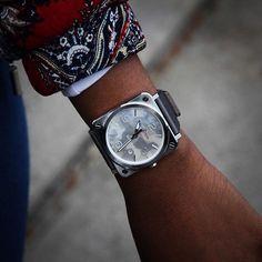 BR S GREY CAMOUFLAGE - 39 mm diameter - Satin polished steel - Mother-of-pearl dial - Satin bracelet