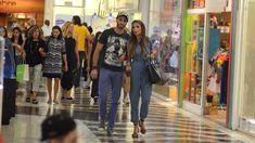 Patrícia Poeta é flagrada passeando em shopping com o suposto novo namorado #Babados, #Bapho, #Baphos, #Celebridades, #Entretenimento, #Fama, #Famosos, #Famous, #Final, #Fofocas, #Instagram, #Prontofalei, #Seguidores, #Seguir, #Televisão, #Tv http://popzone.tv/2018/03/patricia-poeta-e-flagrada-passeando-em-shopping-com-o-suposto-novo-namorado.html