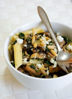 Penne with Mushrooms & Mint Gluten Free Recipes, Healthy Recipes, Healthy Meals, Mushroom Pasta, Penne, Pasta Recipes, Free Food, Feta, Risotto