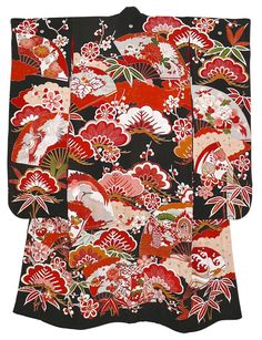Japanese antique silk all hand painted kimono with lining, Eye-catching traditional wedding kimono with folding fans, white storks, pine tree and palace carts motif. Kimono Fabric, Silk Kimono, Kimono Dress, Japanese Love, Vintage Japanese, Japanese Fashion, Japanese Things, Japanese Wedding Kimono, Japanese Kimono